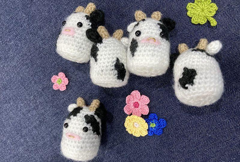 編みぐるみマスコット牛